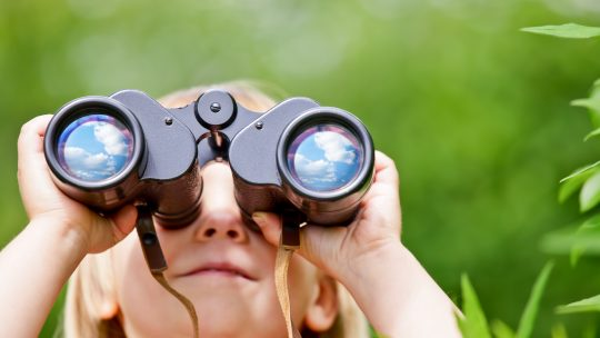 Best Binoculars for Kids - KidsGearGuide