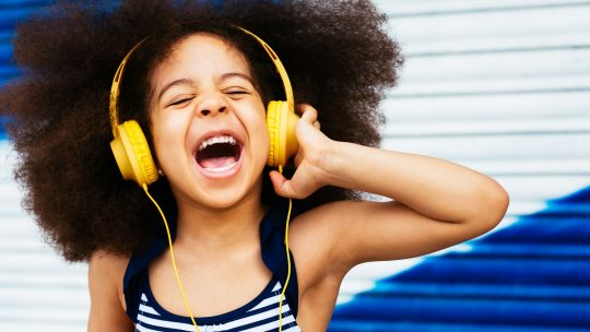 Best Headphones for Kids - KidsGearGuide